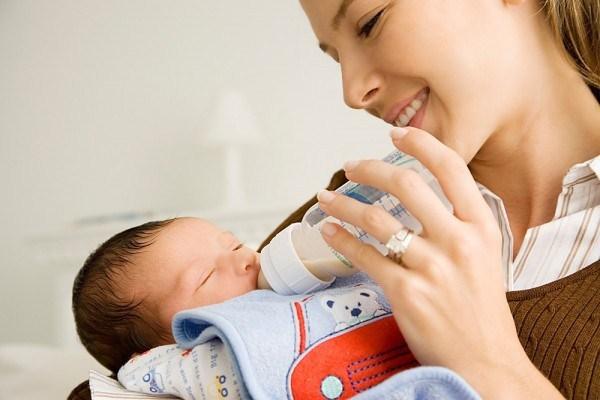 dịch vụ trông em bé quận 2