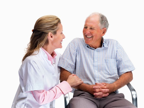 Dịch vụ chăm sóc người cao tuổi Quận 1