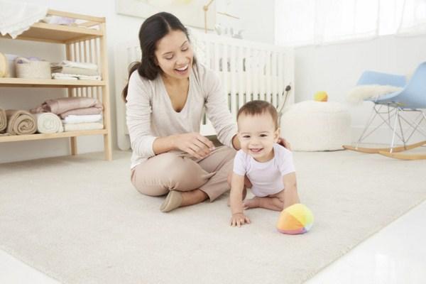 Dịch vụ giữ em bé quận 3 – có nên hay không