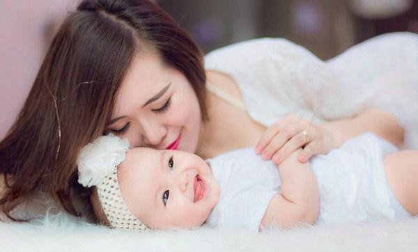 Dịch vụ giữ trẻ sơ sinh
