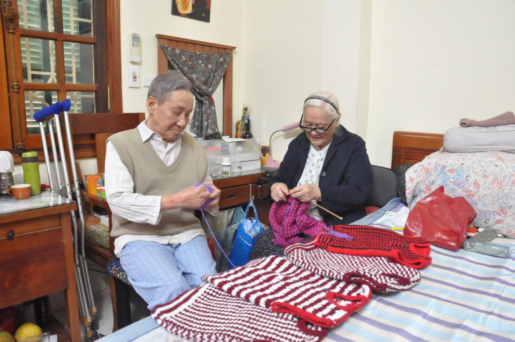 Dịch vụ nuôi cụ bà, cụ ông tại nhà uy tín tại tphcm